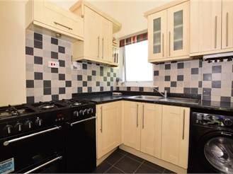 3 bedroom terraced house in Stanford-Le-Hope