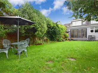 5 bedroom semi-detached bungalow in Clayhall, Ilford