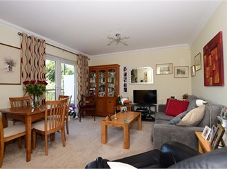 2 bedroom first floor apartment in Chigwell