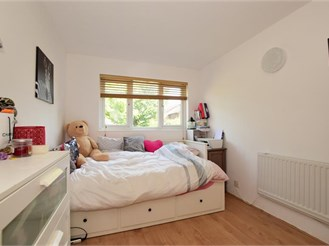 2 bedroom ground floor flat in Loughton