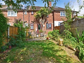 3 bedroom terraced house in Chingford, London