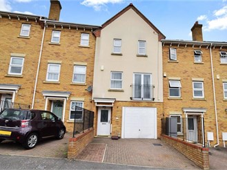 4 bedroom terraced house in All Saints Garden, Chatham
