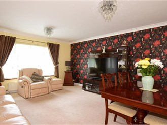 3 bedroom terraced house in Higham, Rochester
