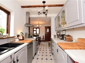 4 bedroom semi-detached house in Ingrave, Brentwood