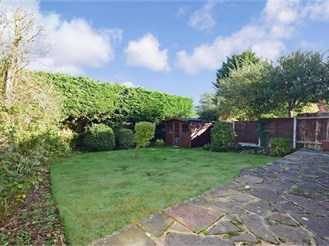4 bedroom semi-detached house in Chigwell