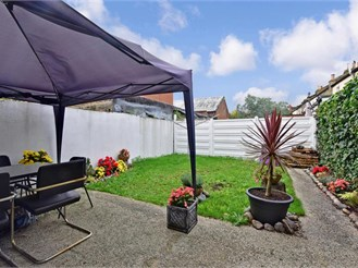2 bedroom terraced house in Plaistow, London