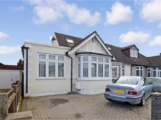 5 bedroom chalet bungalow in Chadwell Heath
