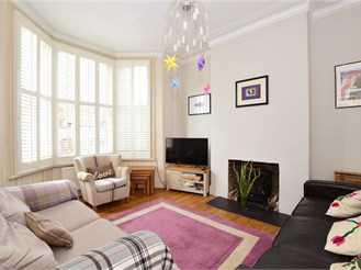5 bedroom semi-detached house in Leytonstone