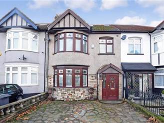 5 bedroom terraced house in Chingford