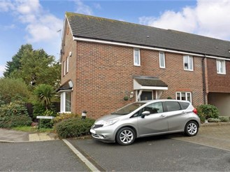 3 bedroom end of terrace house in North Weald
