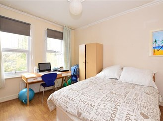 2 bedroom top floor flat in London E10