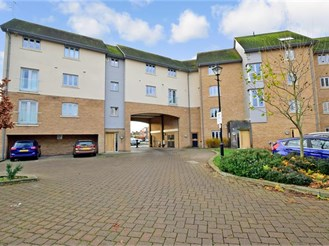 1 bed top floor flat in Barkingside