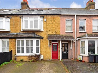 3 bedroom terraced house in Epping