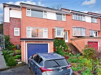 4 bedroom end of terrace house in Cuxton, Rochester