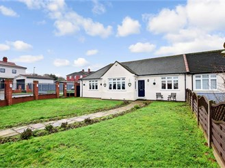 3 bedroom semi-detached bungalow in Erith