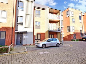 2 bedroom top floor flat in Ilford