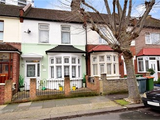 3 bedroom terraced house in Plaistow