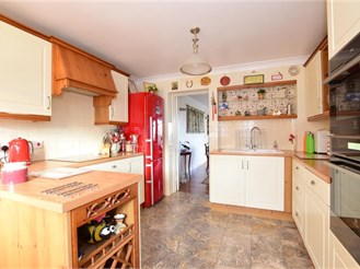 4 bedroom town house in Basildon