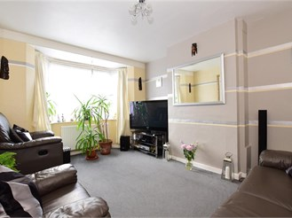 3 bedroom end of terrace house in London E10