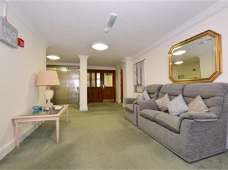 1 bedroom first floor retirement flat in Brentwood