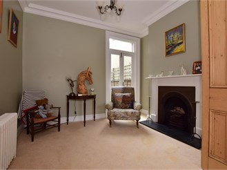 4 bedroom terraced house in Warley, Brentwood