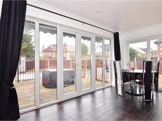 3 bedroom semi-detached bungalow in Newbury Park
