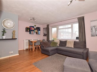 2 bedroom first floor flat in Rainham