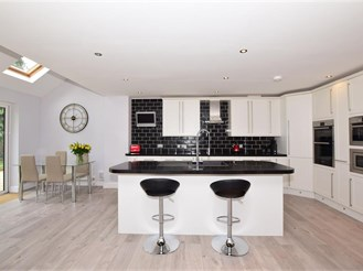 5 bedroom detached house in Ashtead