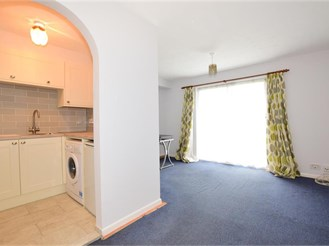1 bedroom ground floor flat in Loughton