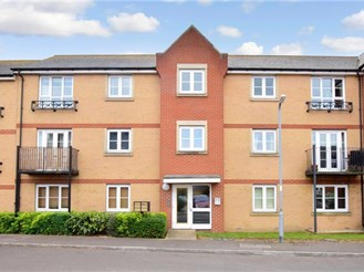 1 bedroom ground floor flat in Wickford