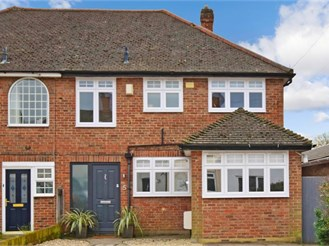 3 bedroom semi-detached house in Herongate, Brentwood