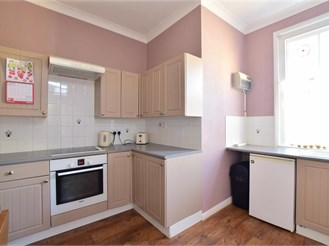 1 bedroom ground floor flat in Havering-Atte-Bower, Romford