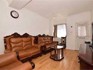 4 bed terraced house in London E17