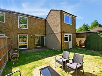 4 bedroom semi-detached house in New Ash Green, Longfield