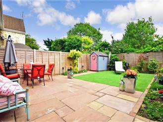 2 bedroom end of terrace house in Kelvedon Hatch, Brentwood