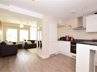 1 bedroom second floor apartment in Gants Hill, Ilford