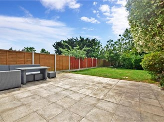 4 bedroom semi-detached house in Chingford