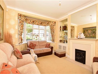5 bedroom semi-detached house in Wanstead