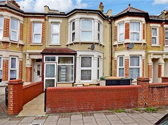 5 bedroom terraced house in London E13