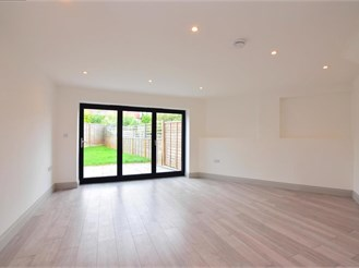 2 bed end of terrace house in Pilgrims Hatch, Brentwood