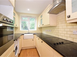 4 bedroom semi-detached house in Loughton