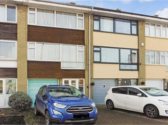 4 bedroom town house in Hornchurch