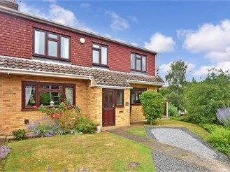 4 bedroom semi-detached house in Istead Rise