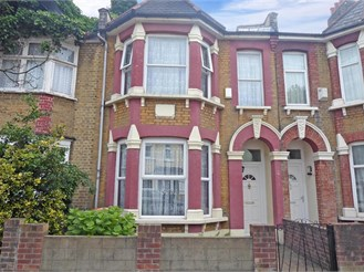 3 bedroom terraced house in Manor Park, London