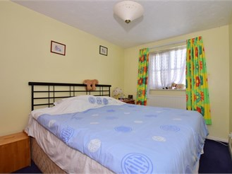 3 bedroom semi-detached house in Brentwood