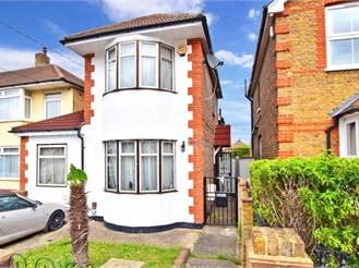 3 bedroom detached house in Rainham