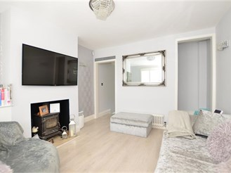 2 bedroom cottage in Warley, Brentwood
