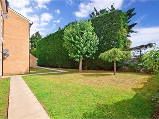 2 bedroom first floor flat in Chigwell