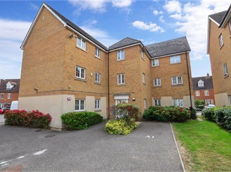 2 bedroom first floor apartment in Barkingside, Ilford