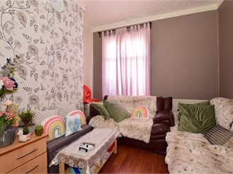 3 bedroom end of terrace house in Forest Gate, London